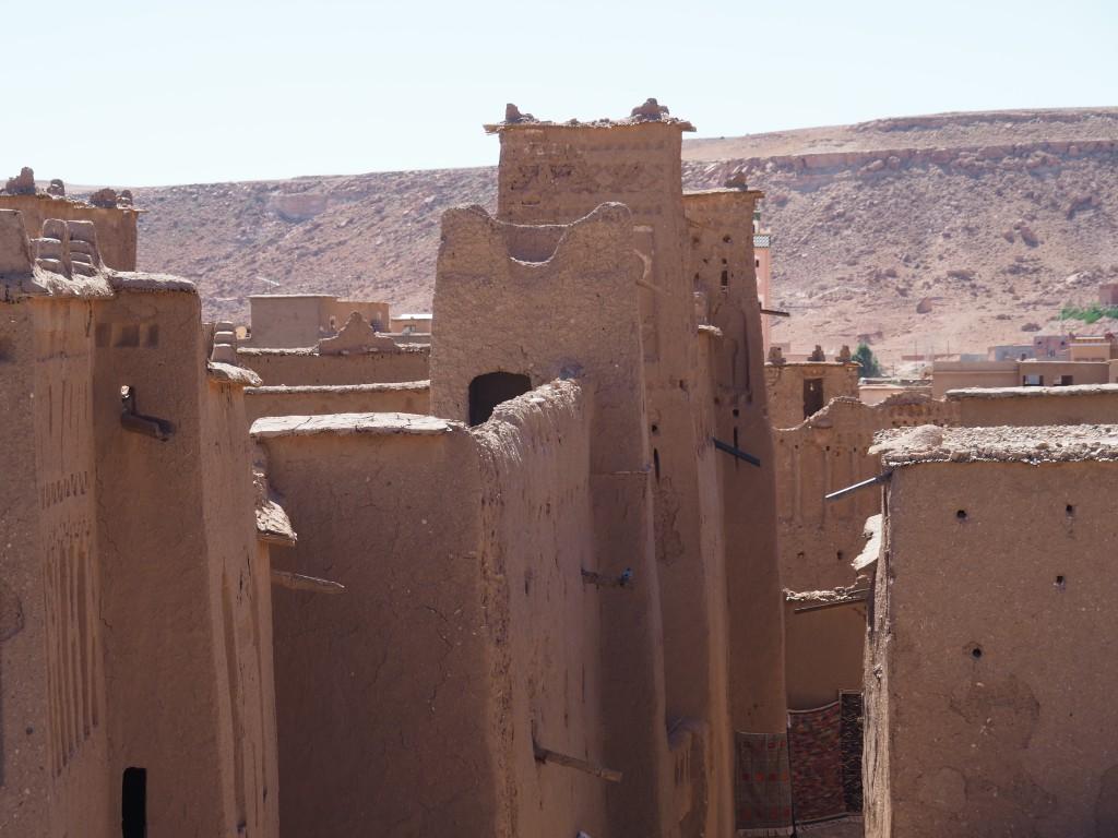 Blick von der traumhaften Terrasse mit schwingendem Boden (Hilfe!)