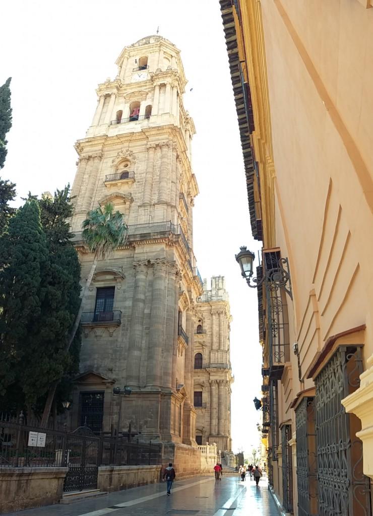 """Kathedrale …La Manquita, """"der etwas fehlt"""", ein Turm ist unvollendet"""