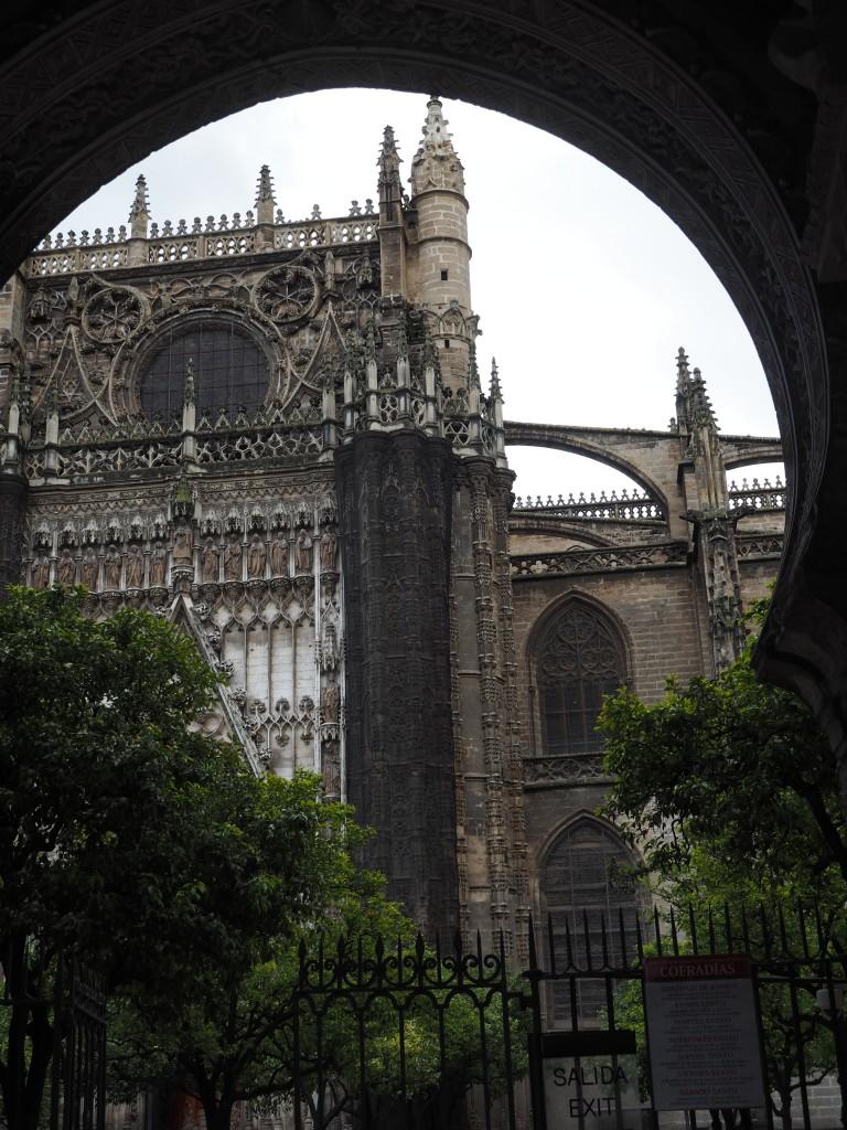Blcik auf die Kathedrale von Sevilla