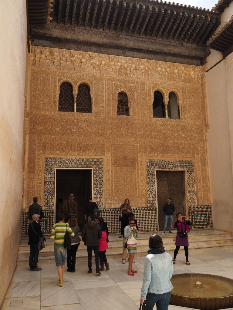 Fassade des Comares Palast