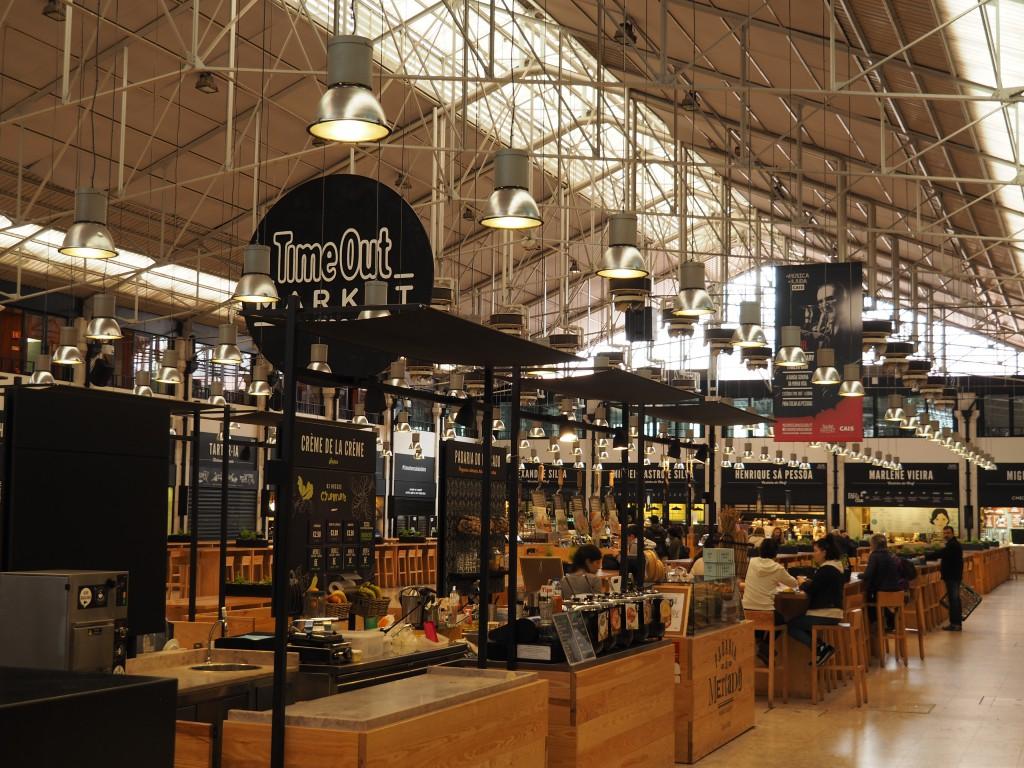 Time Out Mercado da Ribeira, täglich von 10 - 24 Uhr und am Wochenende bis 2 Uhr geöffnet