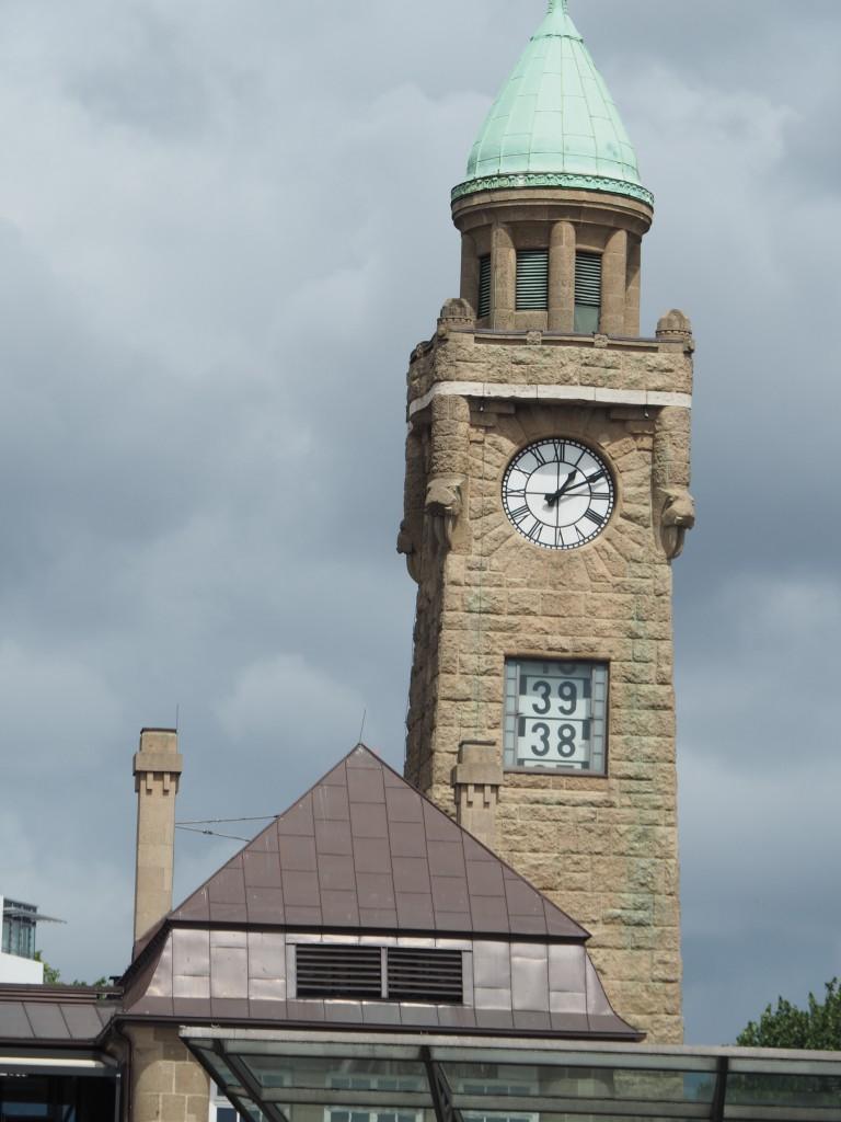 Tidenanzeige am Turm