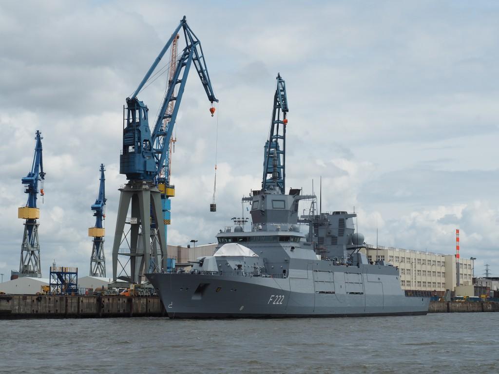 Auf der Werft werden Marineboote, Yachten für russische Oligarchen und Kreuzfahrtschiffe gebaut und überholt.