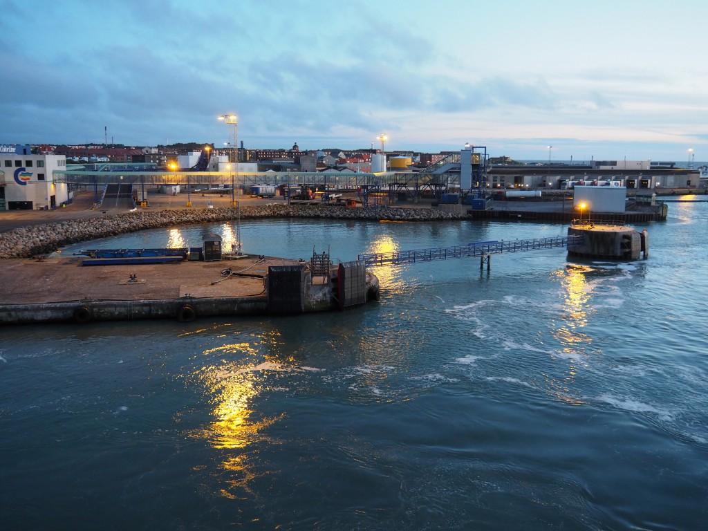 Abfahrt aus dem Fährhafen von Hirtshals